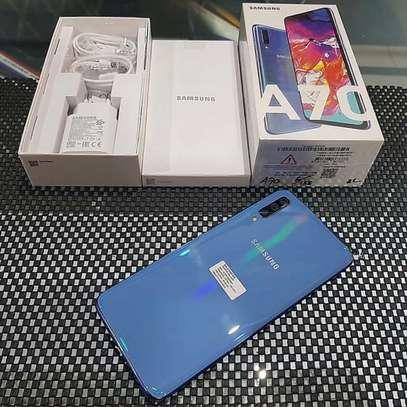 Samsung galaxy a70 128gb image 2