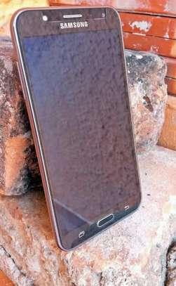 Samsung galaxy j7 image 2