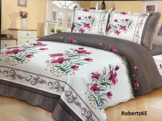 white flowery bedcover 6*6 image 1