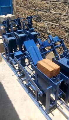 Interlocking soil block press image 2