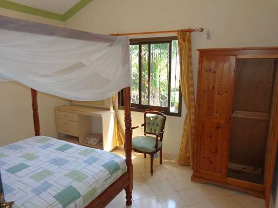 4 br fully furnished house with swimming pool for rent in Nyali. ID1529 image 12