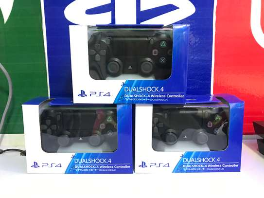 Official PlayStation 4 Duoshock 4