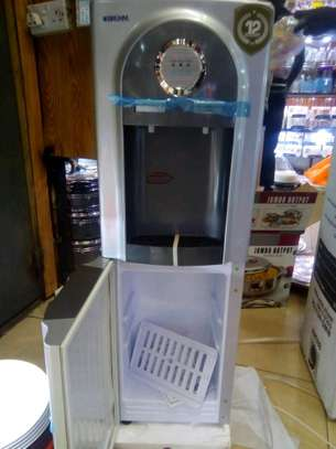 Brum Hot and Cold Water Dispenser image 2