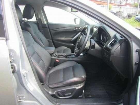 Mazda Atenza image 9