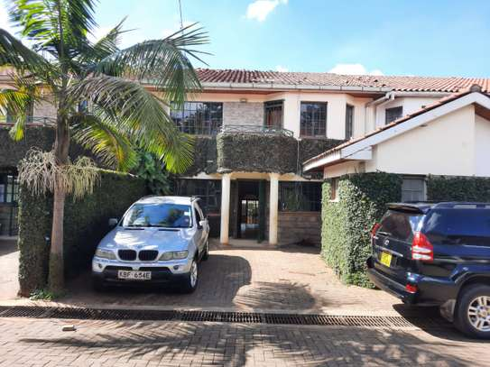 Lovely 3 Bedrooms House To Let in Kileleshwa image 1