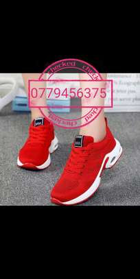 fashion sneakers image 5