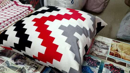 Complete Throw pillow Set image 3