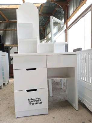Dressers for sale/modern dressing table with.mirror/dressing mirrors for sale in Nairobi image 5