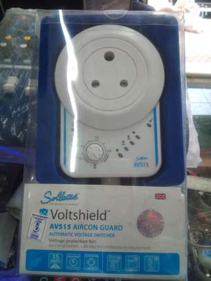 Automatic Voltage Switchers 15amps (AVS15) - White image 1