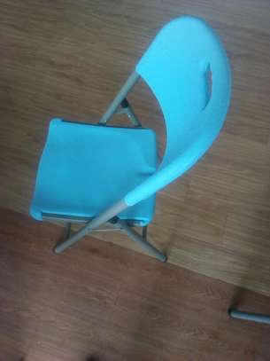 Fordable Chairs image 2
