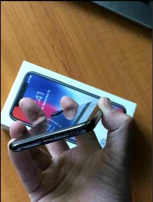 Apple Iphone x Black 256 Gigabytes image 2