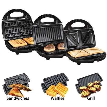 3 in 1 multifunctional non-stick sandwich maker image 1