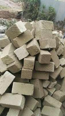 Machine cut Stones 'Ndarug'o)