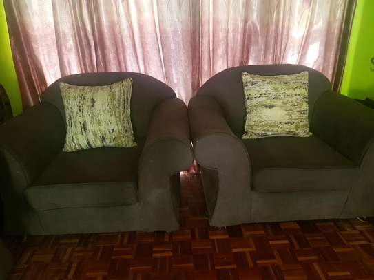 2 single couches image 2