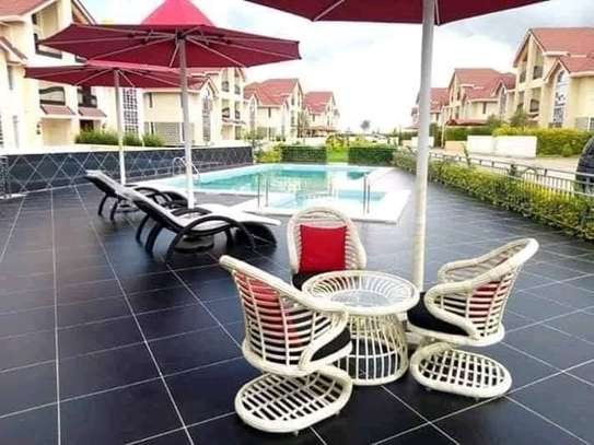 5 bedrooms executive townhouse to let image 6