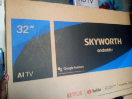 """Sky worth 32"""" smart android TV"""