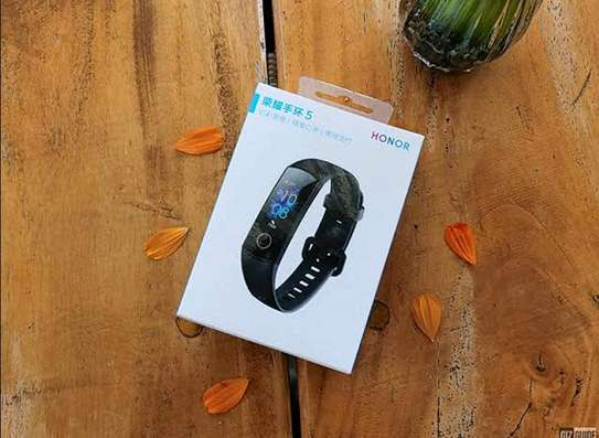 HUAWEI HONOR BAND 5 - Top Fitness Tracker & Smartwatch image 2