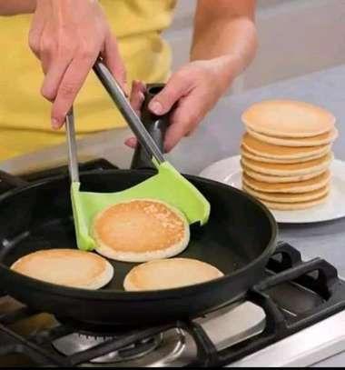A PAIR OF Clever Kitchen Spatula and Tongs Non-Stick Heat Resistant image 1
