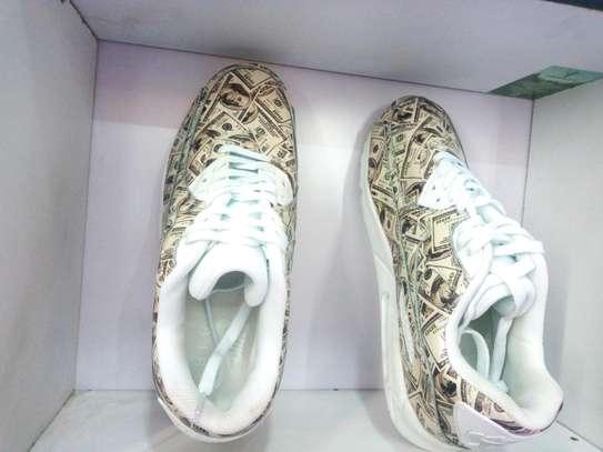 Nike shoes image 3