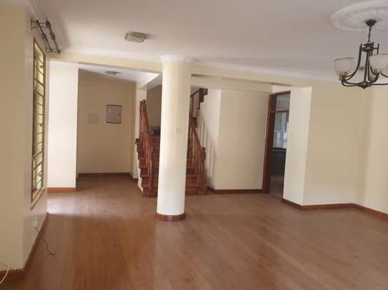 5 bedroom townhouse for rent in Lavington image 8