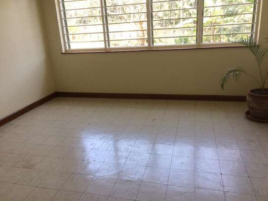 3 bedroom apartment for rent in Loresho image 13