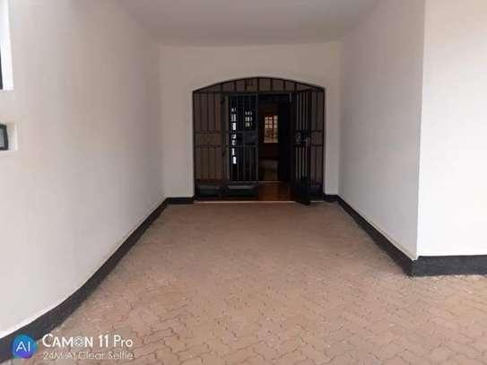 TO LET: NYARI ESTATE 5 BEDROOMS MANSION image 3