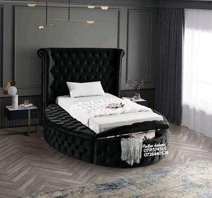Queen size beds/unique beds image 1