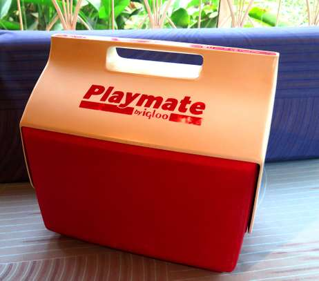 BRAND NAME IGLOO PLAYMATE ELITE 16 Qt. ICE CHEST / RED BODY WITH WHITE LID MADE IN THE USA
