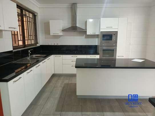 4 bedroom apartment for rent in General Mathenge image 7