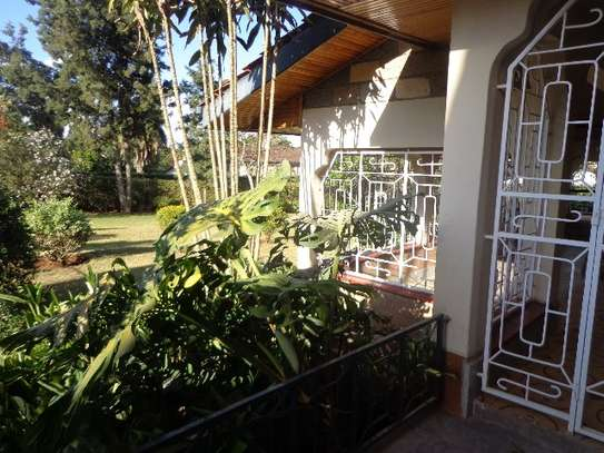 6 bedroom house for rent in Nyari image 13
