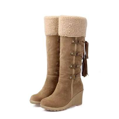 Ladies Knee length warm boots image 3