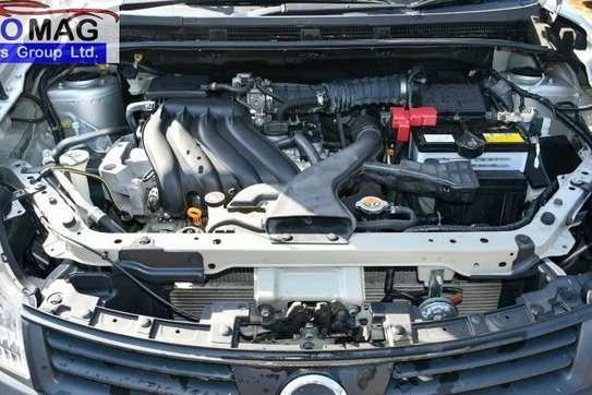 Nissan Advan image 12