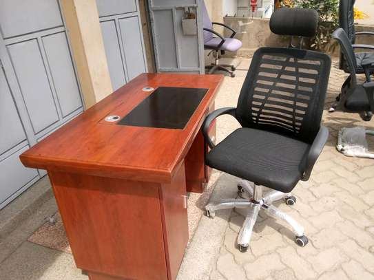 Executive desk 1.4 + chair image 3