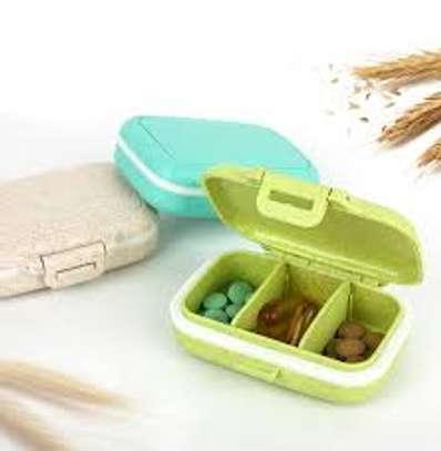 3 grid case pill box image 1
