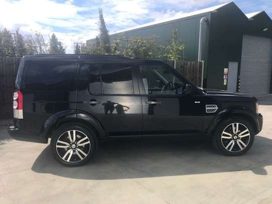 Land Rover Discovery 3.0 SD V6 HSE 5dr image 3
