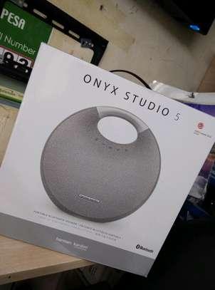 harman kardon onyx studio 5 image 1