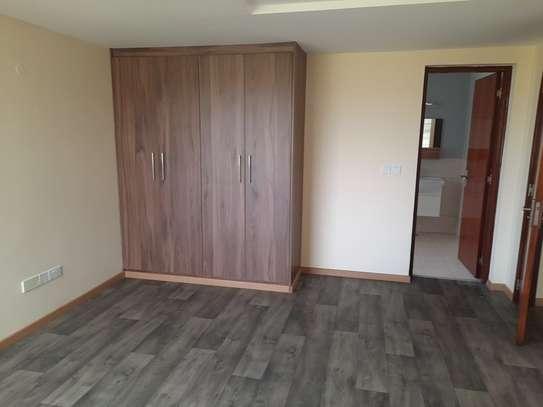 4 bedroom townhouse for rent in Kitisuru image 9