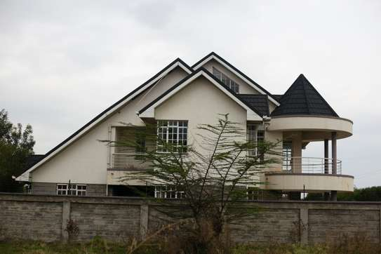 Luxurious House for Sale in Syokimau (5bedrooms + Attique)