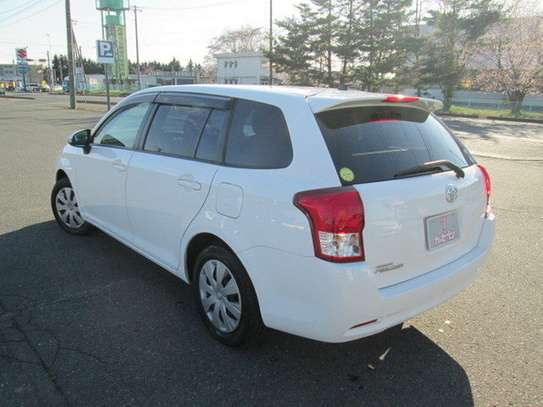 Toyota Fielder image 6