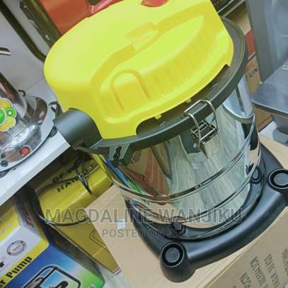 Top Qualified 20l Vacuum Cleaner on Stock image 1