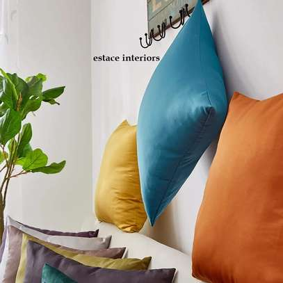 THROW PILLOWS FOR YOUR SEATS image 3