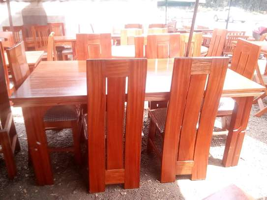 6seater dining table