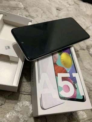 Samsung Galaxy A51 Black 128 Gb image 4