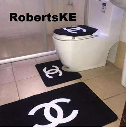 bathroom mats gucci type image 1