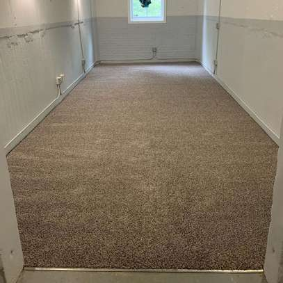 Standard wall to wall carpets image 7