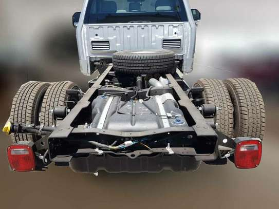 Ford F-350 image 4