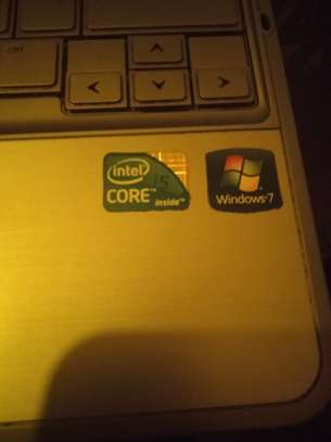 HP Relvolve laptop image 1