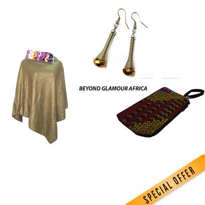 Pouch + poncho + Earrings combo image 4