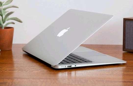 Apple MacBook Air 7 2 (13-inch, 2017) core i7 LAPTOP image 2