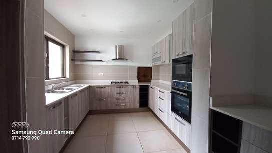 commercial property for rent in Parklands image 5